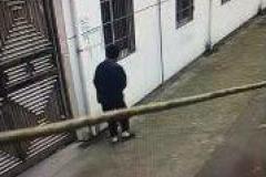 急寻!57岁男子从湖坊养老院走失,驼背穿藏青棉服