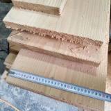 真材实料,用这个来做楼梯板。