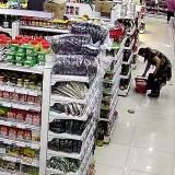 女子三入超市盗窃:没人看着,就当是自己的?