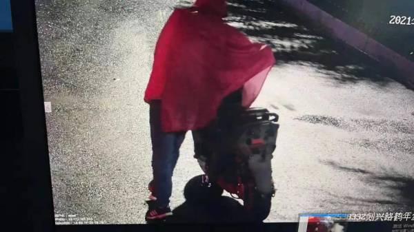 """嵊州有人丢失电瓶车,提供线索的""""热心人""""竟是……"""