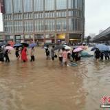揪心!暴雨致郑州地铁停运,已有12人不幸遇难